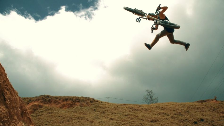 BMX DIRT JUMP from VISUAL STUDIO FILMS
