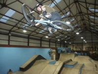 Pill riding indoor park