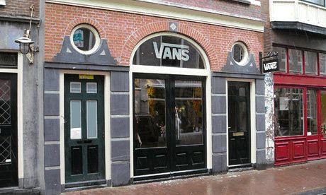 vans retailers us