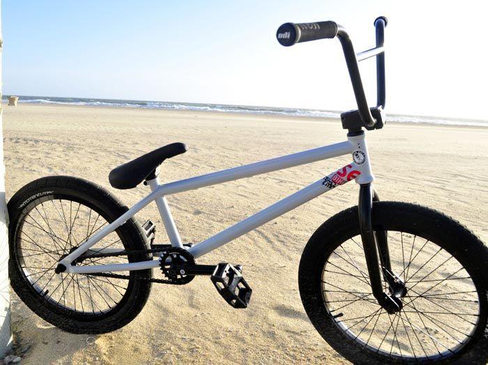 Bike Check Kris Fox Heavy Hitter