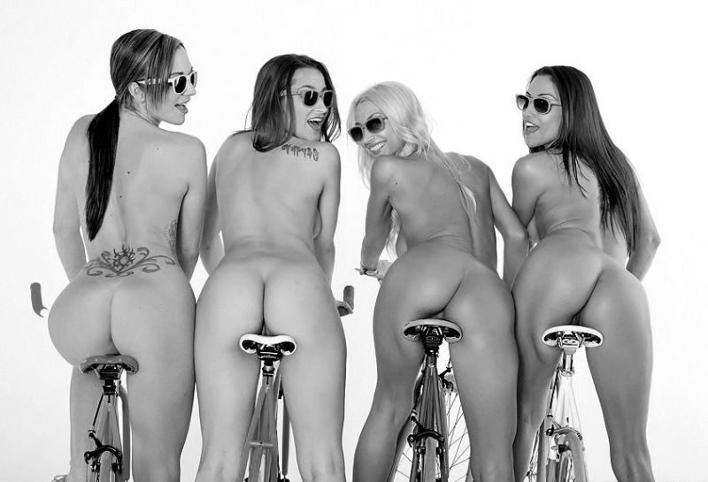 Awesome Pin Up Bums In A Row Years And Older