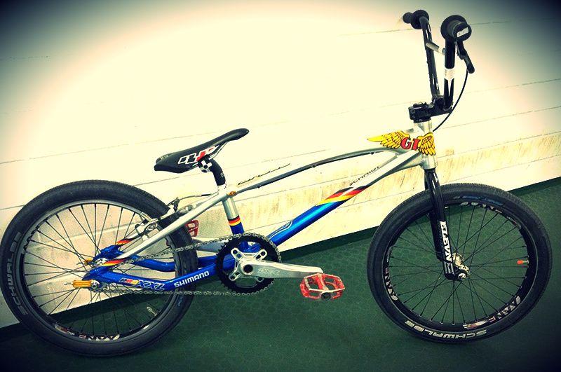 ELITE BIKE CHECK with Julian Schmidt. New equipment for ... Race Bike Photos 2013