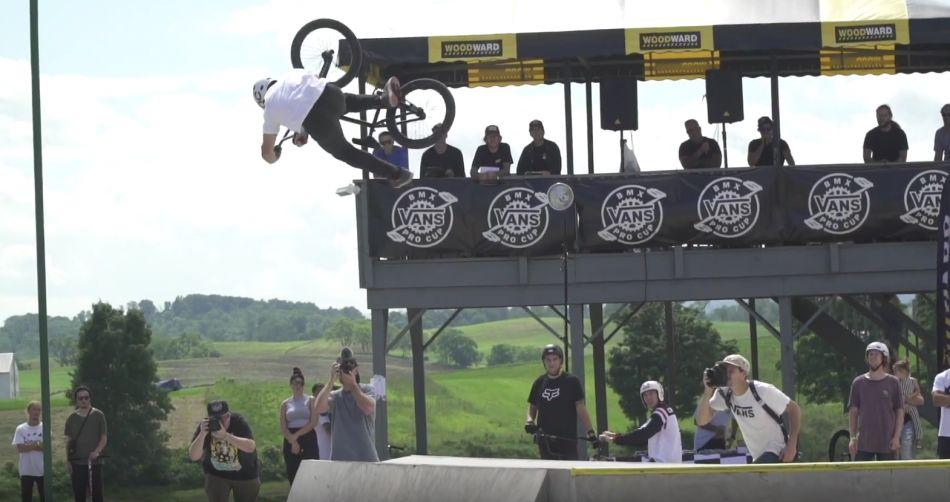 BMX - WRECKS, BANGERS AND BTS OF VANS PRO CUP QUALIFYING: WOODWARD