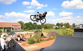 BMX Miniramp - Timo Schulze on the All-In-Mini in Oldenburg, Germany