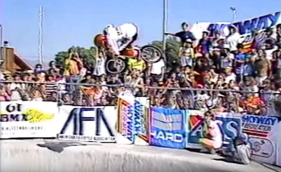 (1984) Round 1: King of the Skateparks - Pipeline by OldSchoolBMXTV