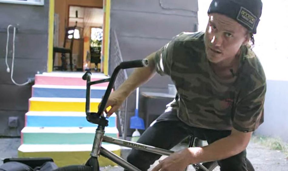 DENNIS ENARSON - HOW I TRAVEL BMX BIKE CHECK